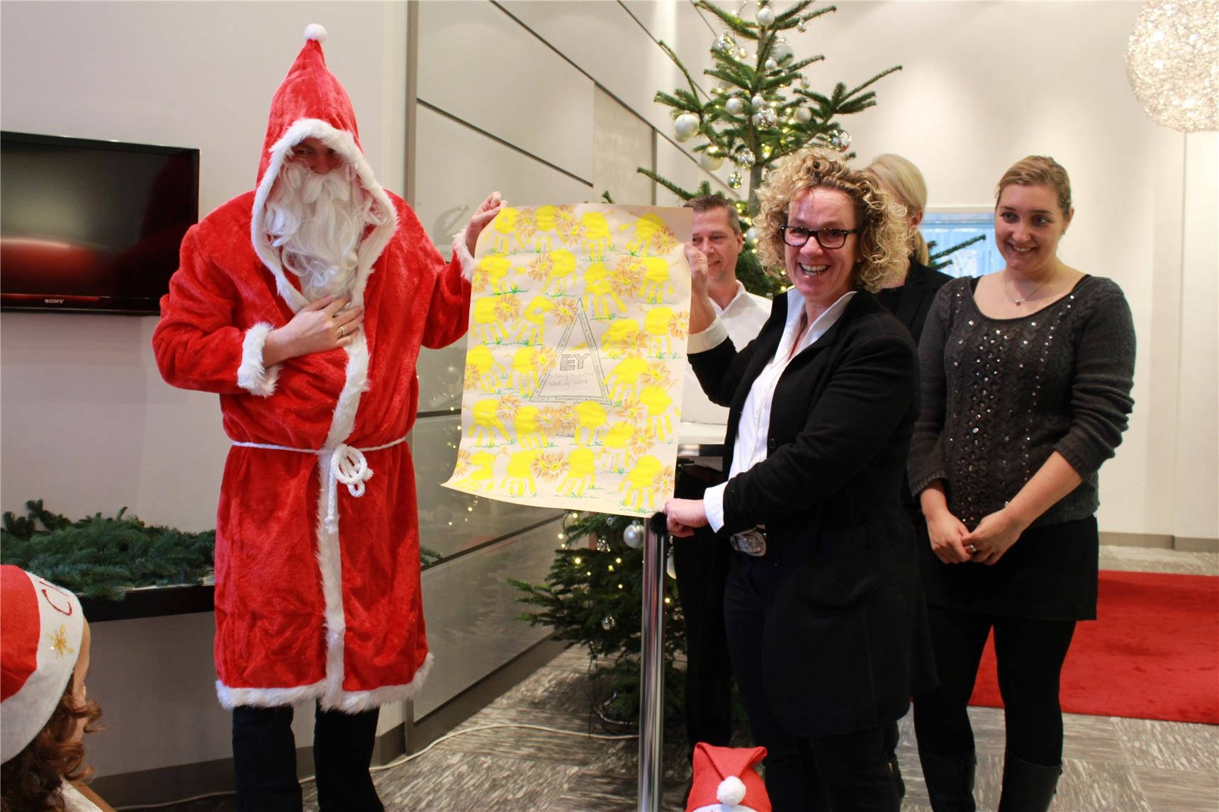 Ernst & Young Weihnachtsaktion - 008 - 2015_12_16_Ernst&Young_St. Godehard_C_Peter Wiezorek (73) (Kemper)