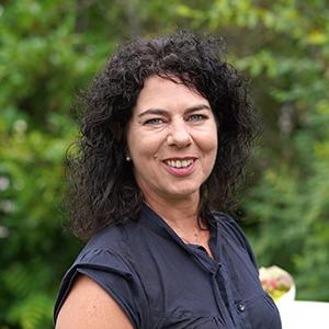 Portraitfoto der Caritasdirektorin Stefanie Rhein