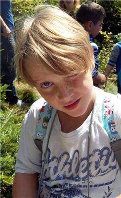 Ein Junge bei einer Kinderfreizeit